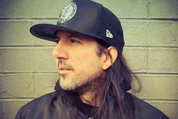 Músico multi-instrumentista Víctor Vildósola, representa a Chile en el «Make Music New York» de World Music Day, bajo su proyecto Ale Medina