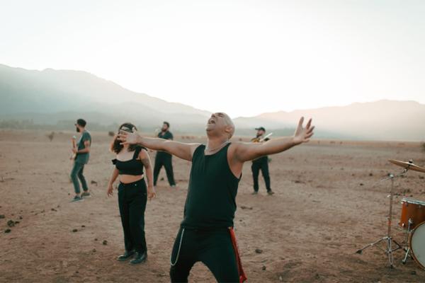 La historia detrás de «Contagio», la canción de La Motivante grabada el 18 de octubre
