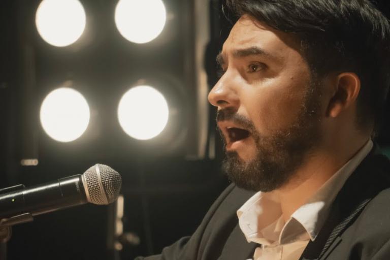 """Alekei estrena su más romántica visión con su videoclip """"Ojos de Fuego"""""""