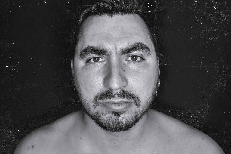Música con contenido social: MalditoLeo estrena su EP «Tú, Dime Que Estoy Bien»