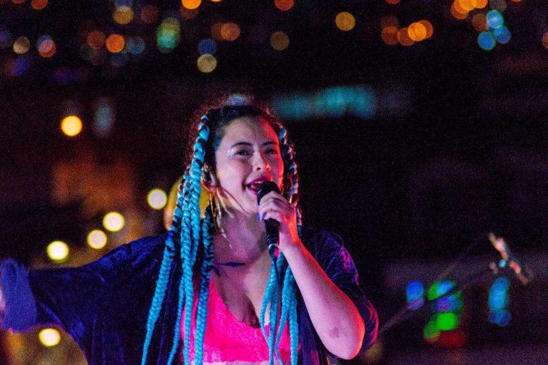 Soul chileno: Ania Ivania debuta en Sesión Inmortal con su éxito «Cariñoso Calificativo»