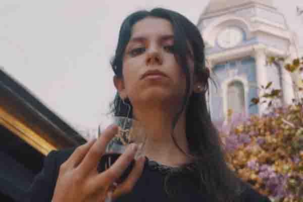Mira «Detrás de tu Historia», el primer video de Natalia Montenegro